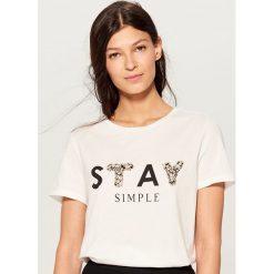 232ab659ef Białe koszulki damskie Mohito