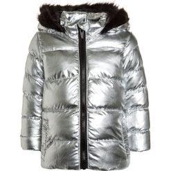 Outfit Kids PADDED METALLIC COAT  Kurtka zimowa silver. Szare kurtki dziewczęce zimowe marki Outfit Kids, z materiału. W wyprzedaży za 135,20 zł.