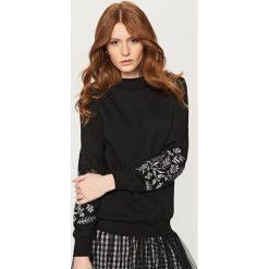 Bluzy damskie: Bluza z wyhaftowanymi rękawami – Fioletowy
