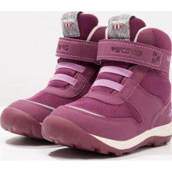 Viking HAMAR GTX  Śniegowce plum/coral. Fioletowe buty zimowe chłopięce Viking, z materiału. W wyprzedaży za 175,45 zł.