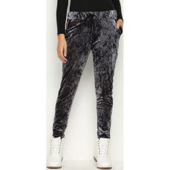 Spodnie damskie: Szare Spodnie Dresowe Glowing
