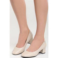 Beżowe Czółenka Pastiche Style. Brązowe buty ślubne damskie Born2be, ze skóry, na słupku. Za 69,99 zł.