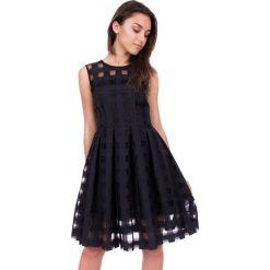 Sukienki balowe: Czarna sukienka w kratę z przeźroczystego materiału  BIALCON
