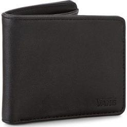 Duży Portfel Męski VANS - Drop V Bifold W VN0A31J8BLK Black. Czarne portfele męskie Vans, ze skóry ekologicznej. Za 109,00 zł.