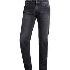 Tiger of Sweden Jeans Jeansy Slim fit black. Czarne jeansy męskie relaxed fit marki Tiger of Sweden Jeans, z bawełny. W wyprzedaży za 363,35 zł.