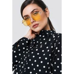 NA-KD Accessories Kwadratowe okulary przeciwsłoneczne - Yellow. Żółte okulary przeciwsłoneczne damskie NA-KD Accessories. Za 80,95 zł.