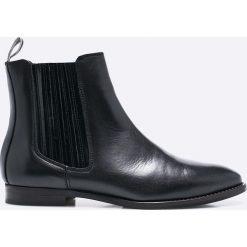 Marc O'Polo - Botki. Czarne buty zimowe damskie Marc O'Polo, z materiału, na obcasie. W wyprzedaży za 449,90 zł.