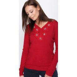 Swetry klasyczne damskie: Czerwony Sweter Just Wait