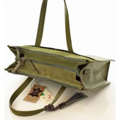 CHARLOTTE Aktówka włoski kuferek zielona. Zielone aktówki damskie MAZZINI, w paski, ze skóry, duże. Za 319,00 zł.