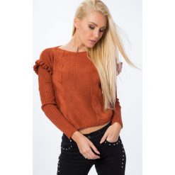Swetry damskie: Sweter z falbanką przy rękawie rudy MP32010