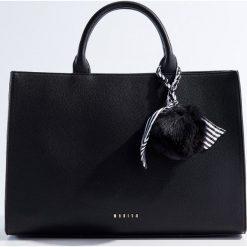 Torba City Bag - Czarny. Czarne torebki klasyczne damskie Mohito. Za 139,99 zł.