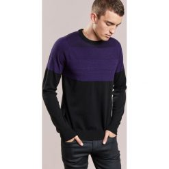 PS by Paul Smith Sweter black. Czarne swetry klasyczne męskie PS by Paul Smith, m, z materiału. W wyprzedaży za 558,35 zł.