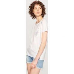T-shirt z ozdobną kieszonką - Biały - 2