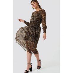 NA-KD Boho Sukienka midi z marszczeniami - Multicolor. Niebieskie sukienki boho marki NA-KD Boho, na imprezę, w koronkowe wzory, z koronki, na ramiączkach, mini. W wyprzedaży za 73,17 zł.