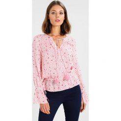 Bluzki asymetryczne: Aaiko SANTIGA HEART Bluzka electric pink