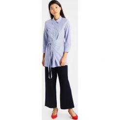 Koszule wiązane damskie: someday. ZAYENA Koszula blue iris