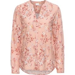 Bluzka z nadrukiem dookoła bonprix jasnoróżowy vintage w kwiatki. Czerwone bluzki asymetryczne bonprix, w kwiaty, eleganckie, z dekoltem w serek. Za 54,99 zł.