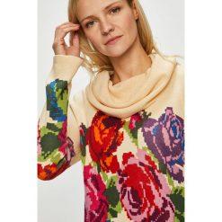Desigual - Sweter. Szare golfy damskie marki Desigual, l, z tkaniny, casualowe, z długim rękawem. Za 449,90 zł.