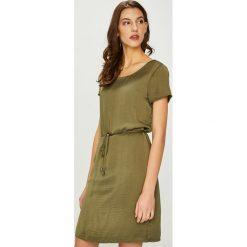 Vila - Sukienka Cava. Brązowe sukienki koronkowe marki Vila, na co dzień, l, casualowe, z okrągłym kołnierzem, z krótkim rękawem, mini, proste. W wyprzedaży za 139,90 zł.