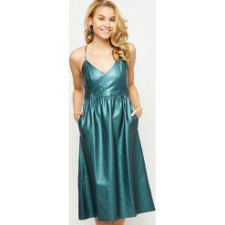 Sukienki balowe: Sukienka skajowa midi na cienkich ramiączkach turkusowa