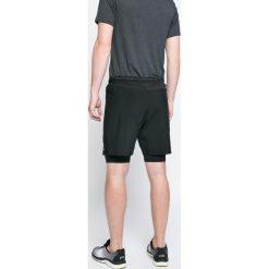 Reebok - Szorty. Czarne spodenki sportowe męskie marki Reebok, z elastanu, sportowe. W wyprzedaży za 129,90 zł.