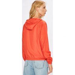 Tommy Jeans - Kurtka. Różowe kurtki damskie jeansowe marki Tommy Jeans, l, z kapturem. Za 549,90 zł.