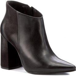 Botki CARINII - B4110 E50-360-PSK-C28. Czarne buty zimowe damskie marki Carinii, z materiału, na obcasie. W wyprzedaży za 279,00 zł.