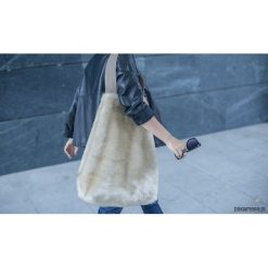 Torebki klasyczne damskie: ANJA Bag Beige Fur
