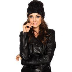 Kobieca czapka w warkocze czarny. Czarne czapki damskie Lemoniade, na jesień. Za 69,90 zł.