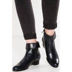 Everybody Ankle boot glove blu. Niebieskie botki damskie na zamek Everybody, z materiału. Za 599,00 zł.