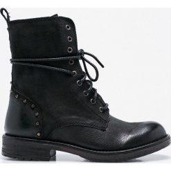 Steve Madden - Botki Jovian. Czarne buty zimowe damskie marki Steve Madden, z materiału, z okrągłym noskiem, na obcasie, na sznurówki. W wyprzedaży za 379,90 zł.