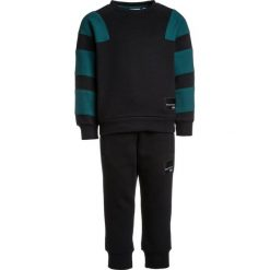 Swetry chłopięce: adidas Originals CREW SET Sweter black/mystery green