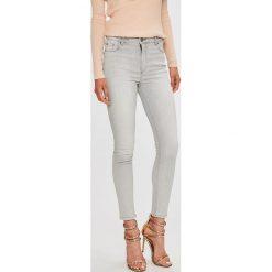 Silvian Heach - Jeansy Meg Pin-Up. Szare jeansy damskie marki Silvian Heach, z podwyższonym stanem. W wyprzedaży za 239,90 zł.