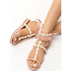 Różowe Sandały Mistresses. Czerwone sandały damskie Born2be, w paski, na płaskiej podeszwie. Za 59,99 zł.
