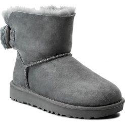 Buty UGG - W Arielle 1019625 W/Gys. Szare buty zimowe damskie marki Ugg, z materiału, z okrągłym noskiem. W wyprzedaży za 489,00 zł.