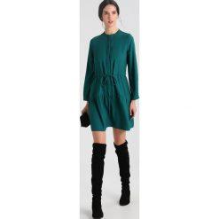 Sukienki hiszpanki: Whistles CYNTHIA TIE WAIST DRESS Sukienka koszulowa green