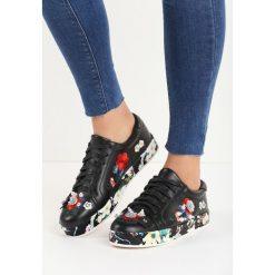 Czarne Buty Sportowe Rose Garden. Czerwone buty sportowe damskie marki KALENJI, z gumy. Za 69,99 zł.