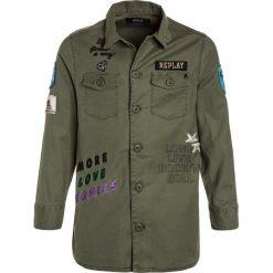 Replay Koszula green. Zielone bluzki dziewczęce bawełniane marki Replay. W wyprzedaży za 349,30 zł.