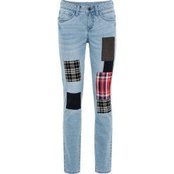 """Dżinsy z łatami bonprix jasnoniebieski """"bleached"""". Niebieskie jeansy damskie bonprix. Za 59,99 zł."""