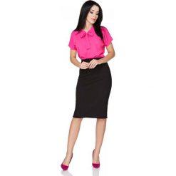 Fuksja Bluzka z Wiązaną Szarfą pod Szyją. Czerwone bluzki asymetryczne Molly.pl, l, z jeansu, z kokardą, z krótkim rękawem. Za 89,90 zł.