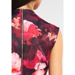 Sukienki hiszpanki: Coast Petite SHAE Sukienka etui multi