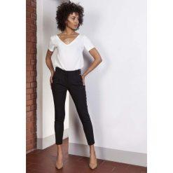 Spodnie z wysokim stanem: Czarne Spodnie Cygaretki 7/8 z Wysokim Stanem