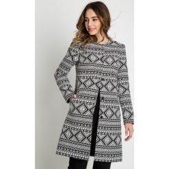 Płaszcze damskie pastelowe: Żakardowy płaszcz z podszewką  BIALCON
