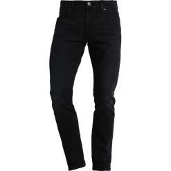 Wrangler LARSTON Jeansy Slim Fit black hook. Szare jeansy męskie relaxed fit marki Wrangler, l, z poliesteru, z kapturem. Za 359,00 zł.