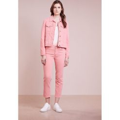 Boyfriendy damskie: 7 for all mankind EDIE Jeansy Slim Fit coral crush