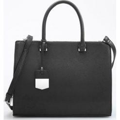 Duża torebka z odpinanym paskiem - Czarny. Czarne torebki klasyczne damskie marki Reserved, duże. Za 129,99 zł.