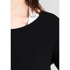 Onzie DRAPEY VBACK Bluzka z długim rękawem black. Czarne bluzki longsleeves Onzie, z elastanu, sportowe. Za 209,00 zł.