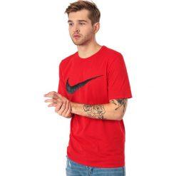 Nike Koszulka męska Hangtag Swoosh czerwona r. L (707456-657). Czerwone koszulki sportowe męskie Nike, l. Za 59,99 zł.