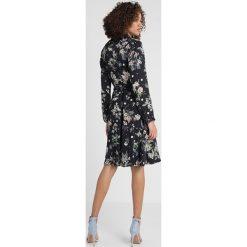 Sukienki hiszpanki: Cortefiel FLOWER PRINT SHIRT STYLE DRESS Sukienka koszulowa dark blue