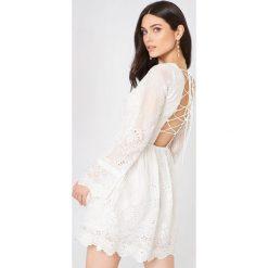 Długie sukienki: Glamorous Sukienka mini z koronką - White